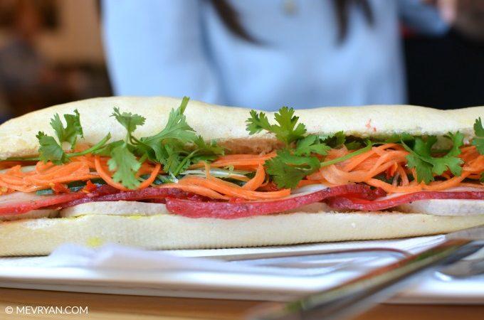 Foto Vietnamees broodje met gemarineerde speklap