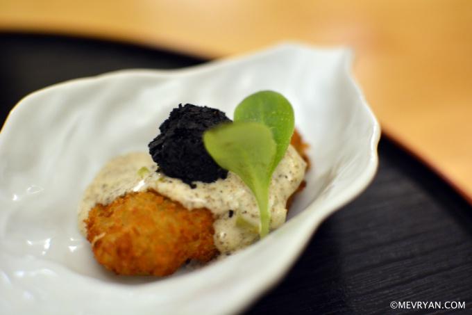 Tempura van oester en truffel, Japans restaurant Yama in Rotterdam © mevryan.com