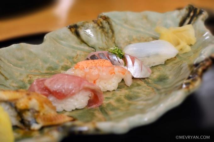 Nigiri sushi van Japans restaurant Yama in Rotterdam © mevryan.com