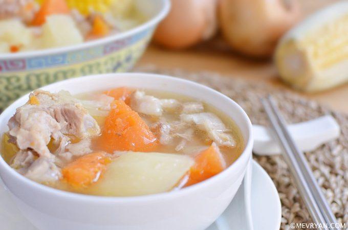 Foto Chinese soep met wortels en aardappelen. Food blog © mevryan.com