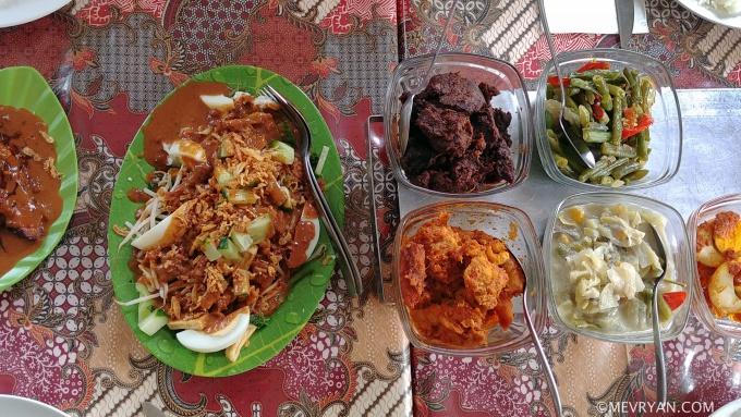 Foto Indische rijsttafel, Warung Bude Kati © mevryan.com.