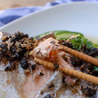 Foto gestoomde vis met tausi saus © mevryan.com