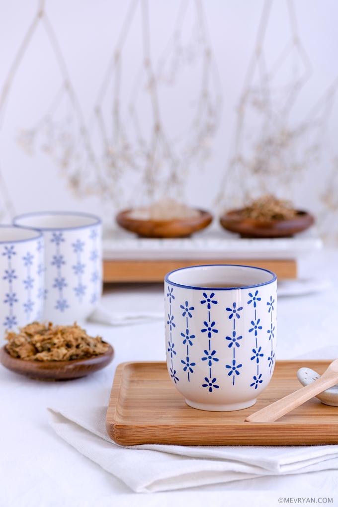 Foto chrysanten thee, Chinese kruiden remedie © mevryan.com